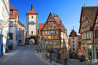 Eines der am meisten gemachten Fotos von Rothenburg - die Plönlein ...: www.germanplaces.com/de/deutschland/rothenburg-ob-der-tauber.html